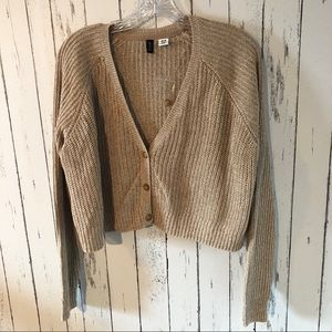 NWOT! BDG cropped sweater